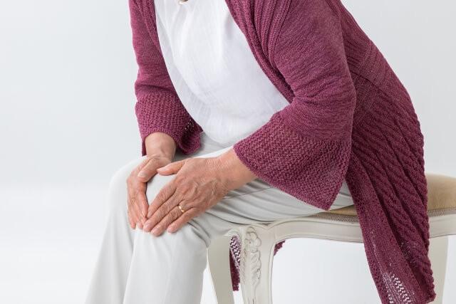 「変形性膝関節症」の画像です。